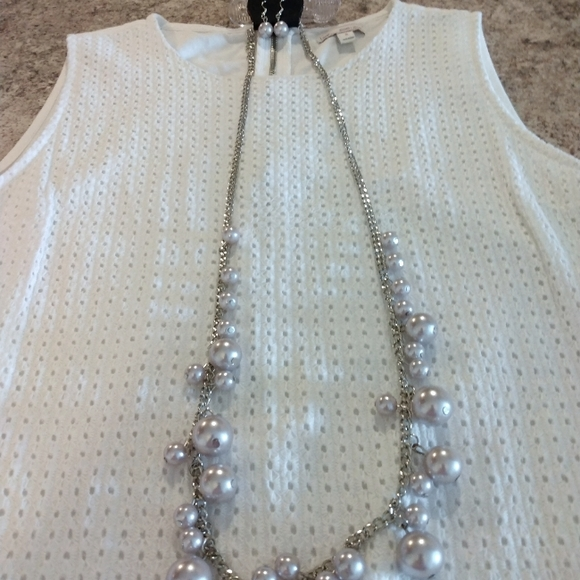 💎3/$15 Pearly necklace/earrings set